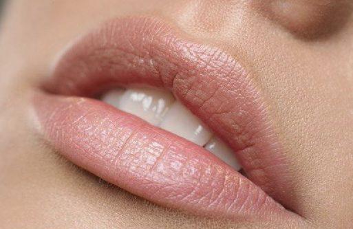 Manchas oscuras en los labios, acláralos con estos remedios caseros