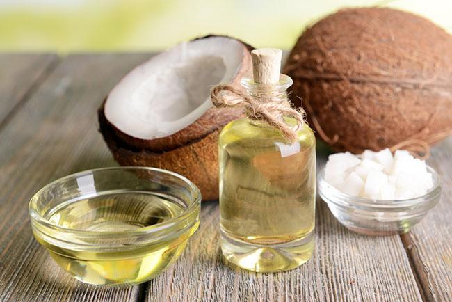 aceite de coco para fortalecer las cejas