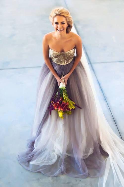 Vestido de fantasía para la novia actual con degradé de colores