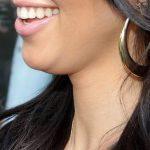 Aprende a disimular la papada con estos trucos de maquillaje