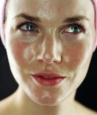 Rutina de belleza nocturna para pieles grasas