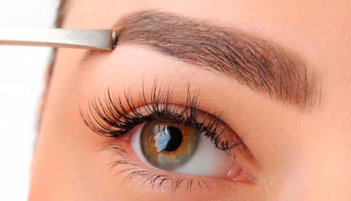 La nueva tendencias de las pelucas para cejas