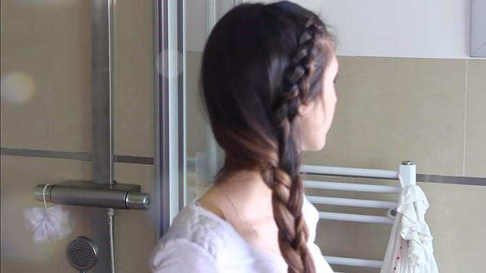 Peinado de trenza de medio lado