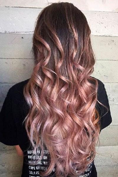 Mechas balayage en púrpura rosa