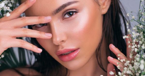 Iluminador para maquillaje de noche