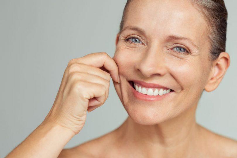 Mujer que consiguió reducir la grasa de las mejillas