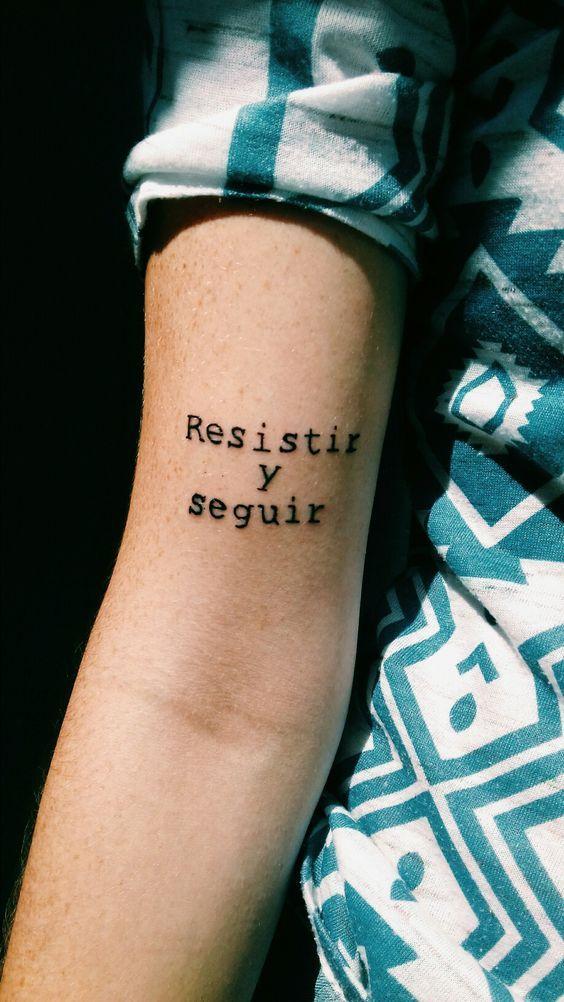 Frases para tatuaje inspiradora brazo