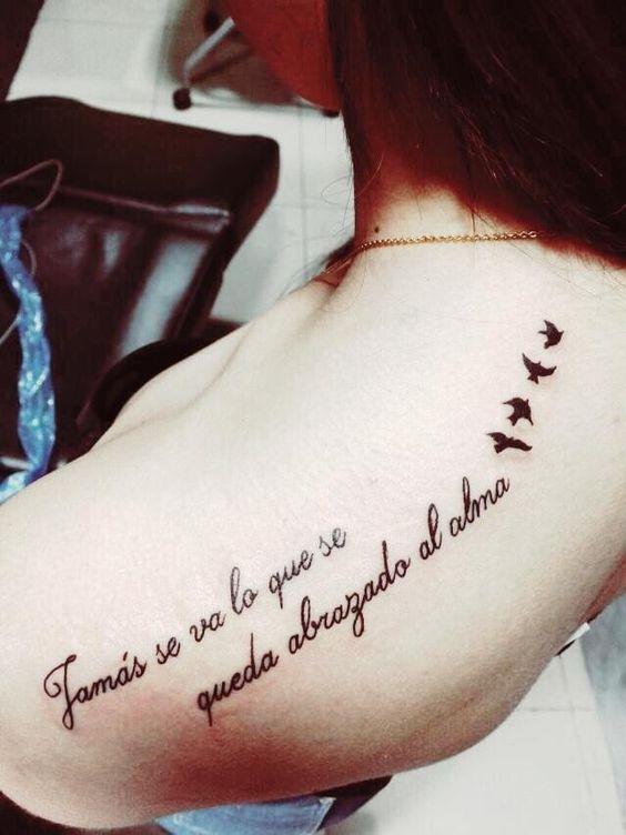 Tatuaje pájaros frase